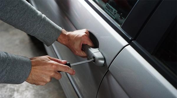 Gestolen auto check controleer of een voertuig gestolen is